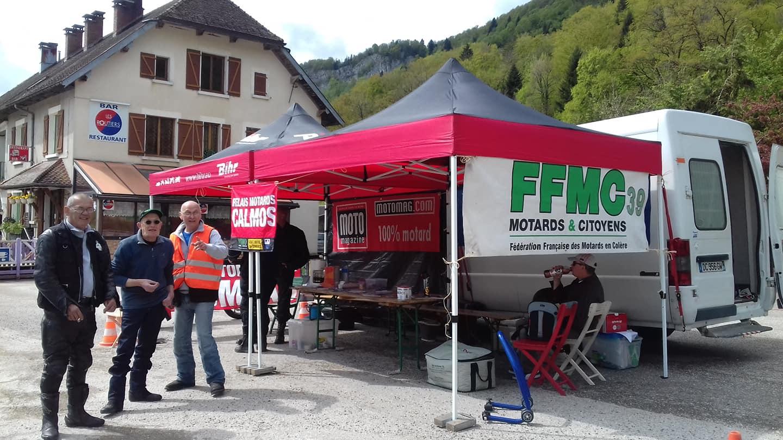 """206 motards s'arrêtent au premier """"Relais motard calmos"""" 2019 de la FFMC 39 à La Billaude"""