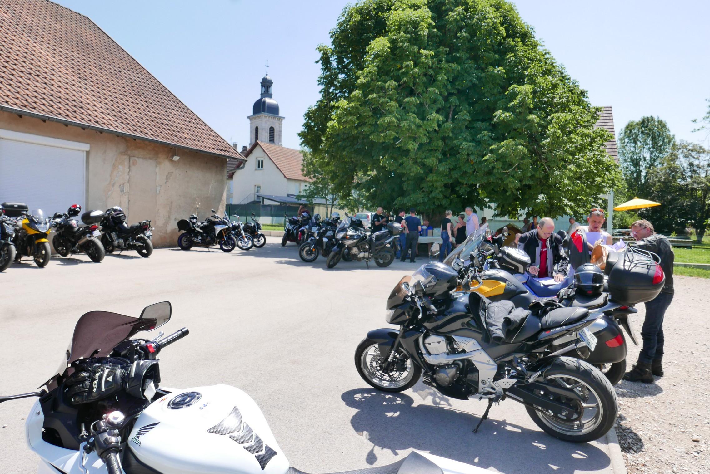 Billet. Dans le Jura, des motards confinés… mais pas endormis!