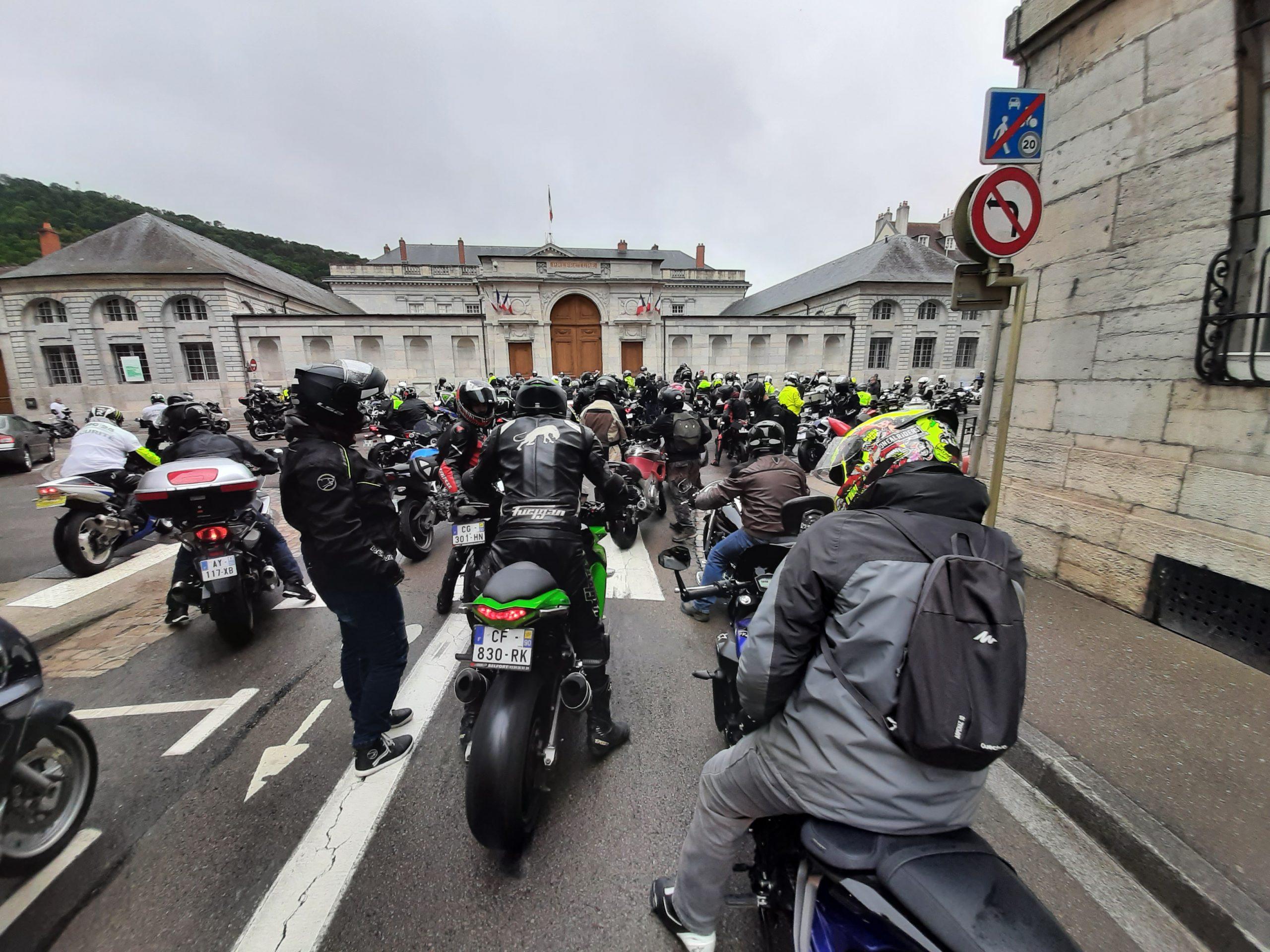 PHOTOS. Pour le 14 juillet, les motards en colère défilent à Besançon